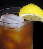 Gefrorener Tee mit Zitrone Stockfotos