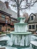 Gefrorener Wasserbrunnen Stockfotos