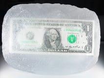Gefrorenes Bargeld, konjunkturelle Abflachung, Rezession Stockfotos