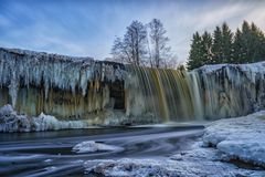 Gefrorenes waterwall Jagala im Estland Stockfoto