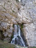 Gega siklawa w górach Abkhazia Zdjęcie Stock