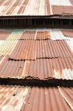 Gegalvaniseerd, verticaal dak, roestig, Royalty-vrije Stock Afbeelding