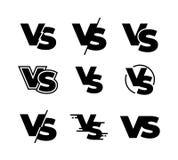 Gegen schwarze Logos Herausforderung GEGEN Zeichen, schwarze lokalisierte Ikonen des Sportmatch-Wettbewerbs, Kampfspielzeichen Ve stock abbildung