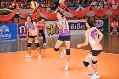 Gegenangriff in Volleyballspieler chaleng lizenzfreies stockbild