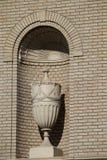 Gegenstand in einer Backsteinmauer Lizenzfreie Stockfotos