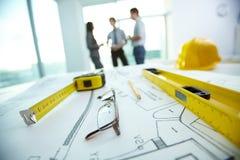 Gegenstände am Arbeitsplatz des Architekten Lizenzfreie Stockfotos