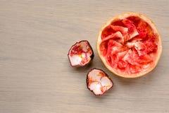 Gegeten grapefruit en passievruchtresten Royalty-vrije Stock Foto