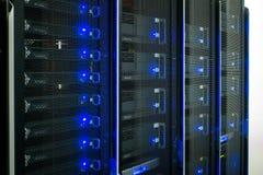 Gegevenscentrum, Serverruimte stock afbeelding