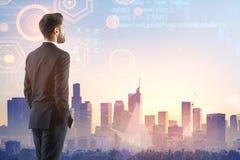 Gegevensverwerking, toekomst en technologieconcept royalty-vrije stock afbeelding