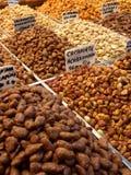 Geglaceerde noten in fruitmarkt, Barcelona Royalty-vrije Stock Foto