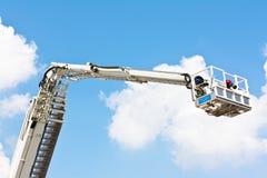 Gegliederte hydraulische von der Luftplattform Stockfotos