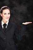 Geglimlachte bedrijfsvrouw en hand Stock Afbeeldingen
