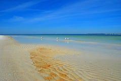 Gegolft Zand bij Kust Stock Fotografie