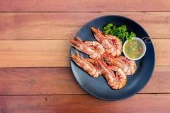 Gegrillte Garnele mit würziger Soße der Meeresfrüchte Lizenzfreie Stockbilder