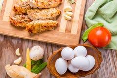 gegrillte Hühnerbrust des weißen Fleisches, Hühnerstreifen Stockfotos