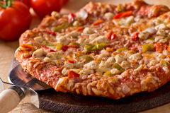 Gegrillte Hühnerpizza Lizenzfreies Stockbild