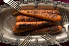 Gegrillte süße Nantes-Karotten stockfoto