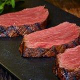 Gegrillte Steak-Scheiben Stockfoto