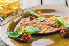 Gegrillte Steaks und Fischrogenkartoffeln Lizenzfreies Stockbild