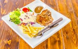 Gegrilltes Beefsteak und Gemüse Stockfoto