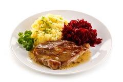 Gegrilltes Fleisch mit Kartoffeln lizenzfreies stockbild