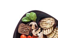 Gegrilltes Gemüse auf einer Platte stockfoto