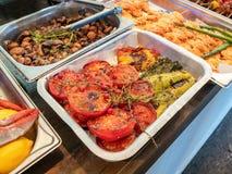 Gegrilltes Gemüse, Pilze und Garnelen lizenzfreie stockfotografie
