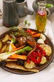 Gegrilltes Gemüse und Fleisch Stockfoto