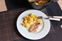 Gegrilltes Hühnersteak mit Polenta Lizenzfreies Stockbild