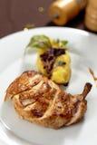 Gegrilltes Hühnerbein Stockbild