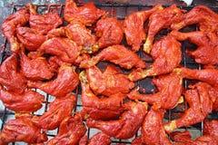 Gegrilltes Huhn in der roten achiote Soße Lizenzfreie Stockbilder