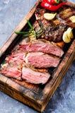 Gegrilltes saftiges Steak stockbilder
