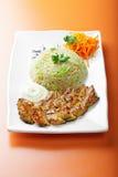Gegrilltes Schweinefleisch mit Reis und Gemüse Stockfotos