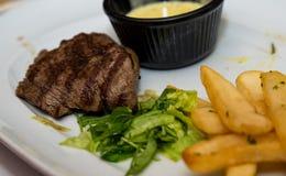 Gegrilltes Steak mit Fischrogen Lizenzfreies Stockfoto