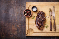 Gegrilltes Steak New York Striploin Lizenzfreies Stockbild