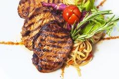 Gegrilltes Steak und Teigwaren Stockbild