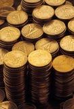 Gehäuft von den Goldmünzen Lizenzfreie Stockfotos