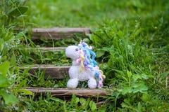 Gehaakt eenhoornstuk speelgoed royalty-vrije stock afbeeldingen