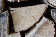 Gehackte Holzstapelnahaufnahme Lizenzfreie Stockfotos