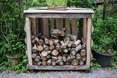 Gehackter hölzerner Hintergrund Holzindustrie Stockfoto