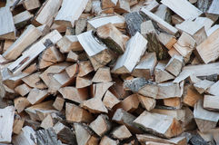 Gehacktes Brennholz Stockbild