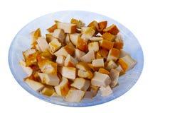 Gehacktes geräuchertes Huhnfleisch in der Platte getrennt Stockbild