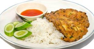 Gehacktes Schweinefleisch-Omelett mit Reis Stockfotos
