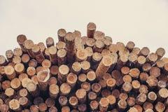 Gehakt houten, woodpile, brandhout - zaagmolen royalty-vrije stock afbeeldingen