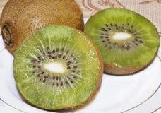 Gehalveerde kiwi Royalty-vrije Stock Foto
