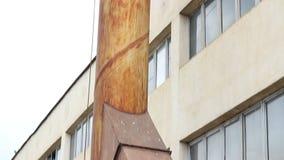Gehandicapt Industrieel Rusty Smokestack stock video