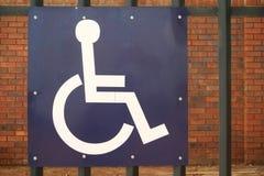 Gehandicapten die teken parkeren royalty-vrije stock afbeelding