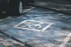Gehandicapten die vlek parkeren stock afbeeldingen