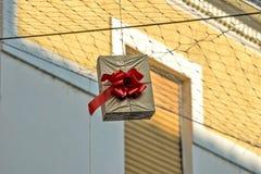 Gehangen giftdozen als straatdecoratie 12 Stock Afbeelding