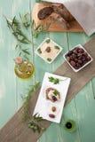 Geheel Korrelbrood met Hummus Stock Afbeelding